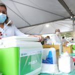 Osasco vacina 50 anos+ em drive-thru, UBSs e CAIs